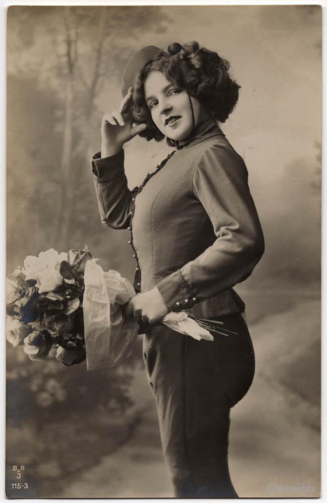 flowergirl-c1920