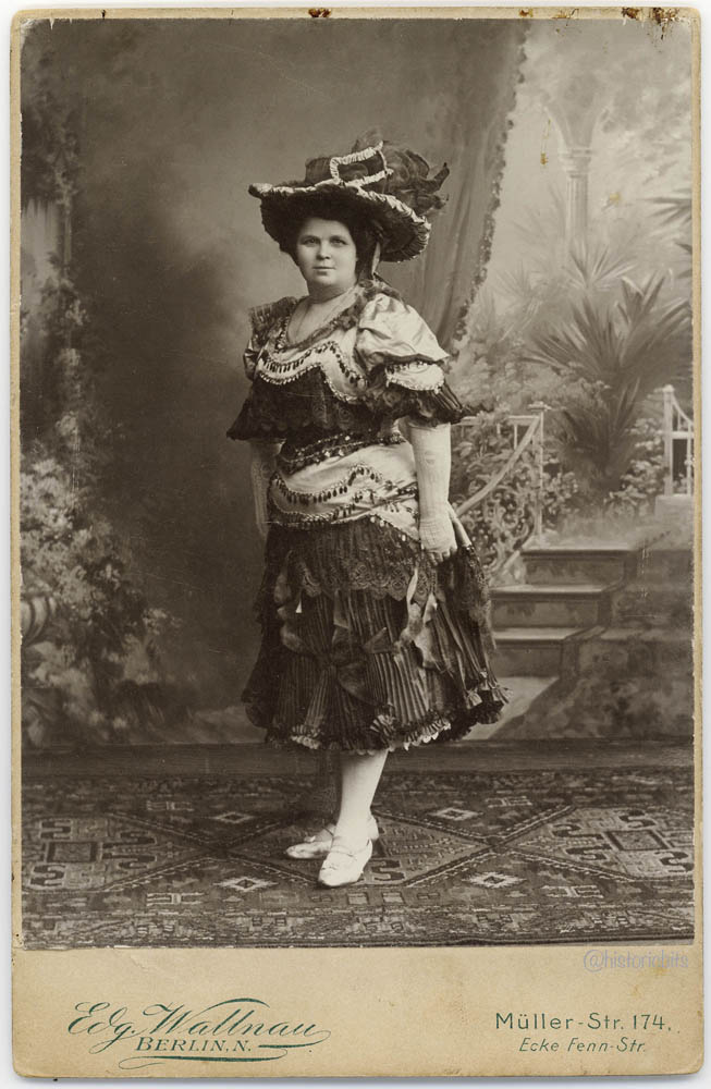 c.1900,Photostudio E. Wallnau, Berlin,Germany