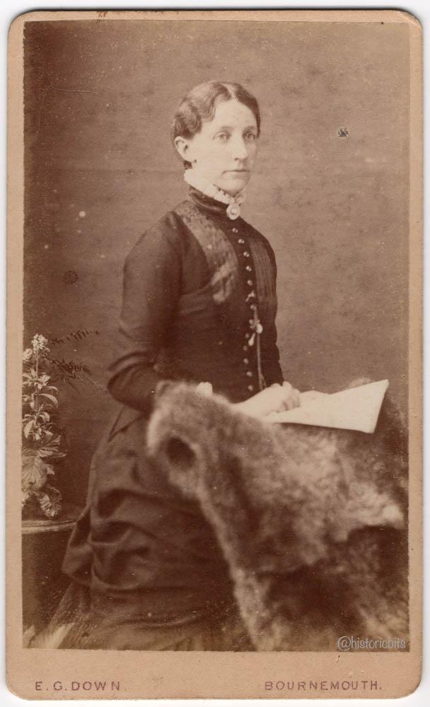 Lady with Fur,Photostudio E.C.Down,Bournemouth,Britain,c.1890