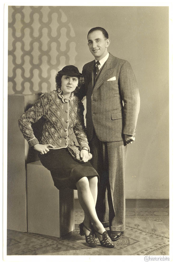 Couple in PhotostudioHalle,1940th