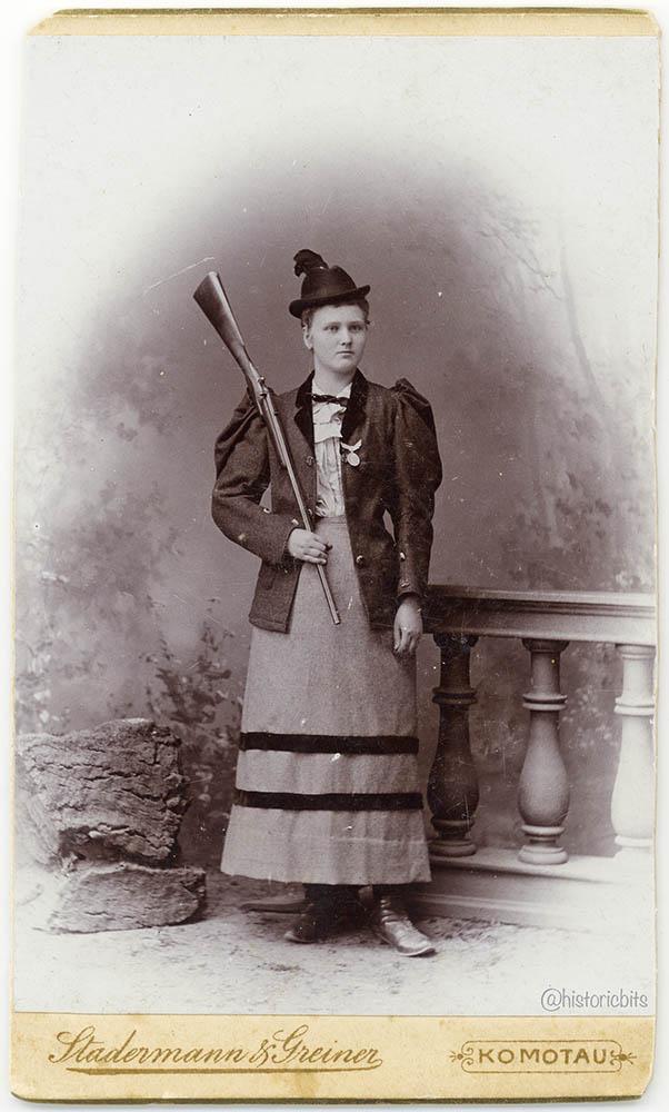 Huntress,Bohemia,1885
